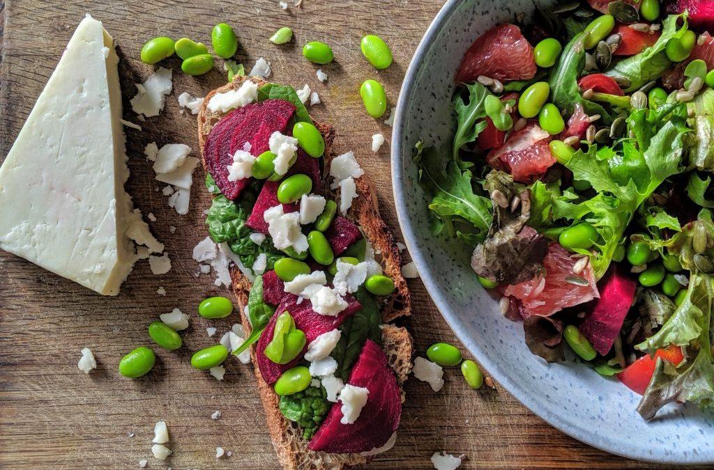 Beetroot toast and salad! Yuuummmm