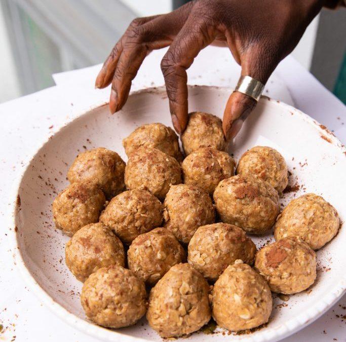 Almond Raw Balls